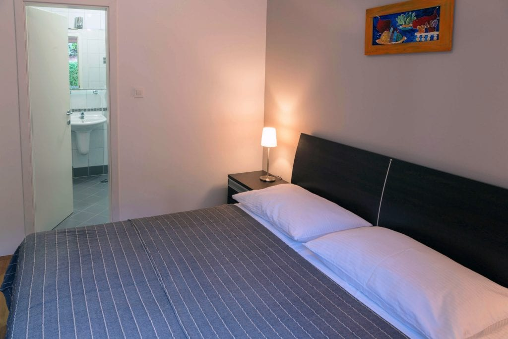 Ground floor A1 bedroom and privat bathroom