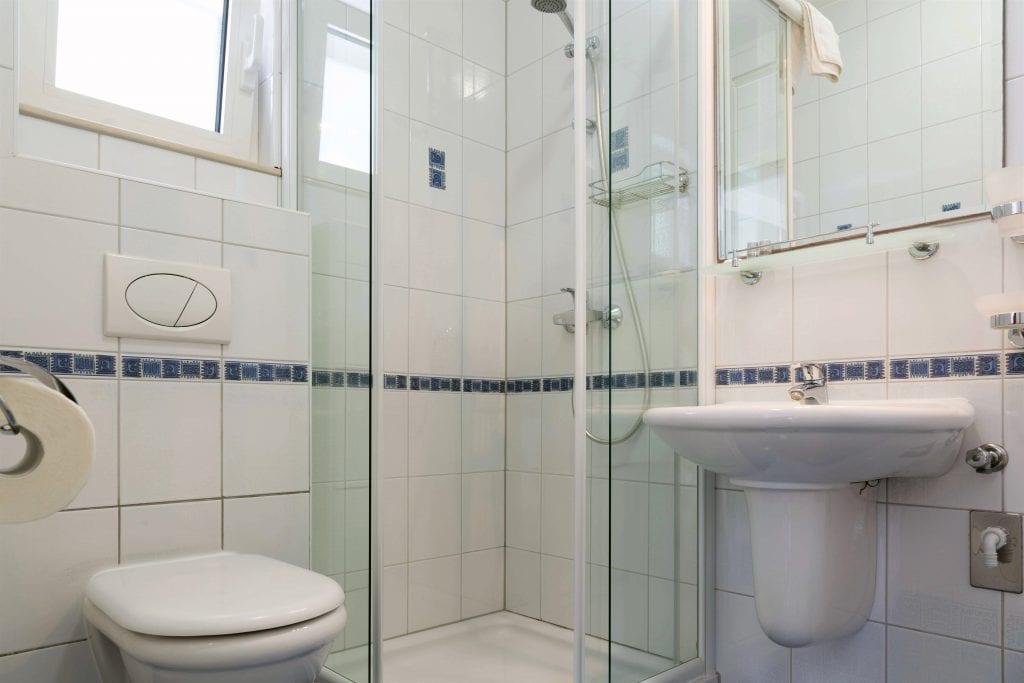 Zavala 222 A2 blue bathroom