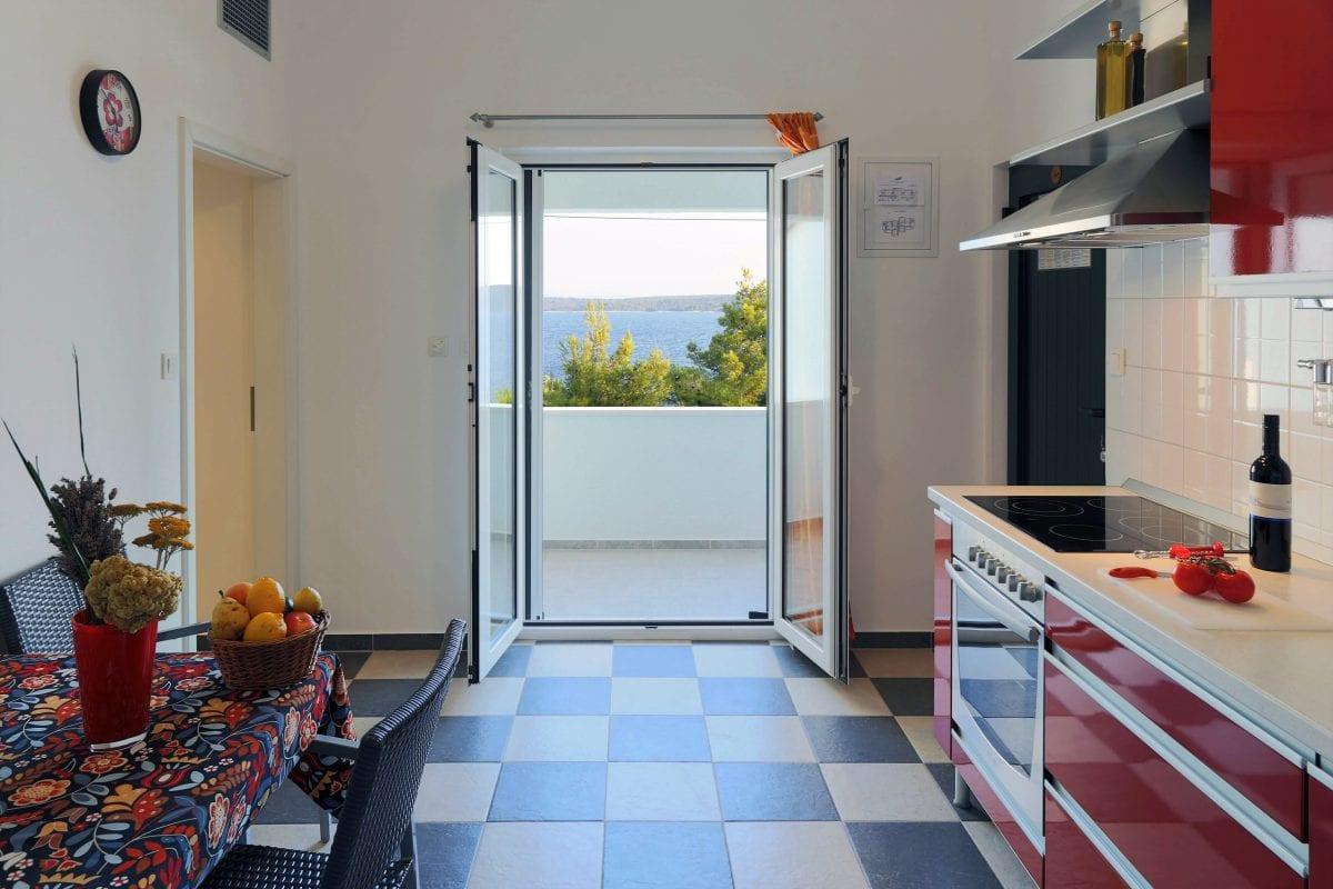 Zavala 222 C2 kitchen and sea view
